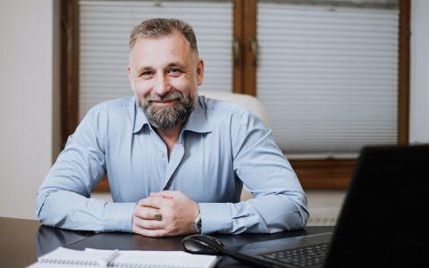 La empresa piensa en la jubilación de sus empleados