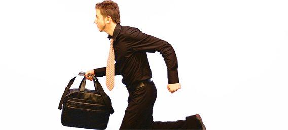 Trabajar con el maletín a cuestas