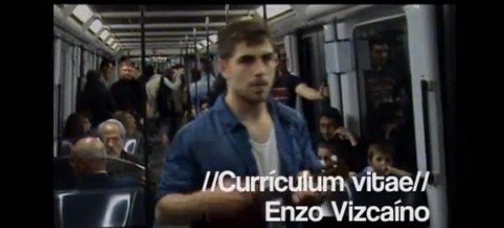 En busca de trabajo en el metro de Barcelona