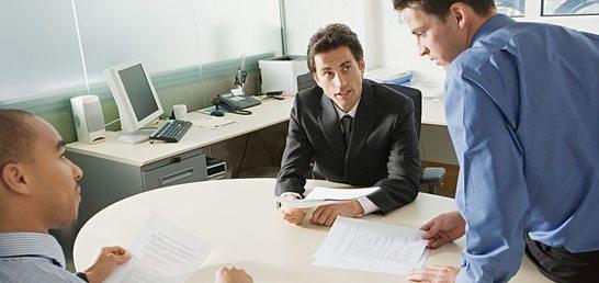 Cosas que un empleado debería preguntarle a su jefe