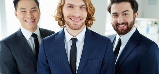 El perfil del CEO en el mundo: varón, 50, con carrera y máster