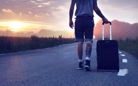¿Por qué los millennials emigran en busca de empleo?