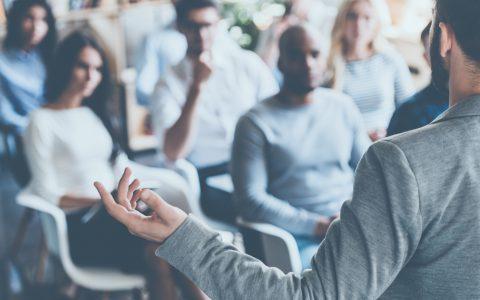 El papel del profesional de RRHH: El intermediario entre empresa y empleado