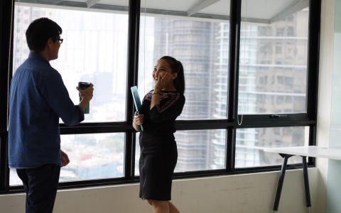 ¿Por qué un buen ambiente laboral lleva al éxito empresarial?