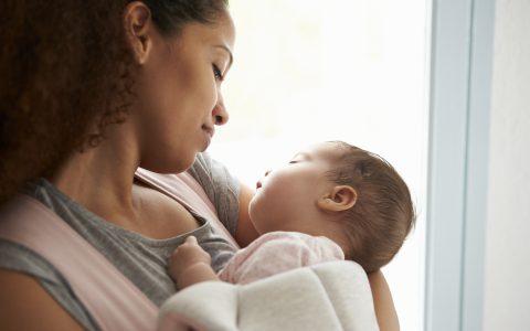 ¿Cómo gestionar la baja por maternidad o paternidad?