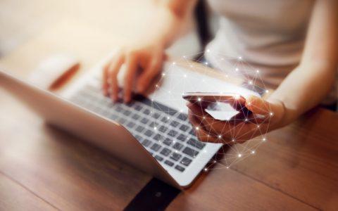 ¿Puede una empresa despedir a un trabajador por insultar en redes sociales?