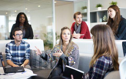 Gestionar y delegar: Las funciones vitales de un responsable