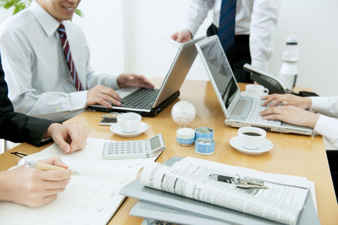 Menos papel en la oficina, ayuda al medioambiente y a la productividad