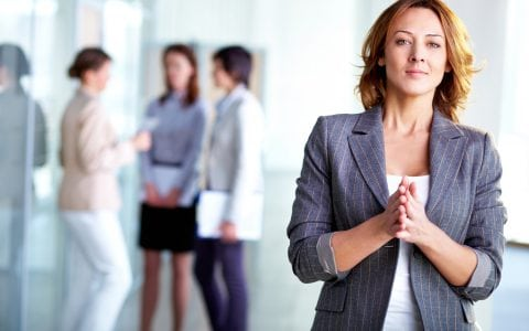 ¿Cuál es el volumen de mujeres directoras de empresas en España?