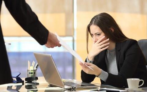 ¿Cuáles son las causas de la suspensión de un contrato?