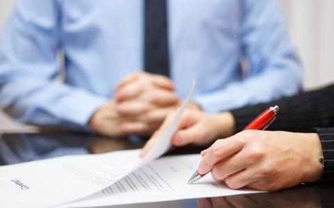 ¿Qué es un contrato de interinidad y cuáles son sus características principales?