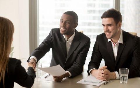 Convenio de prácticas: resolvemos tus dudas con respecto a los contratos de los becarios