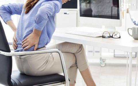 Consecuencias del sedentarismo y cómo combatirlo en la oficina
