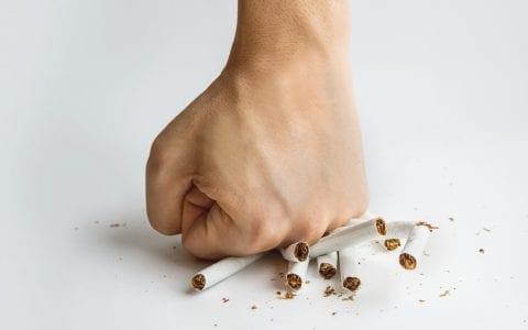 ¿Cómo ayudar a los empleados a dejar de fumar?