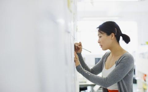 ¿Cómo se realiza un análisis ocupacional de cargos en una empresa?