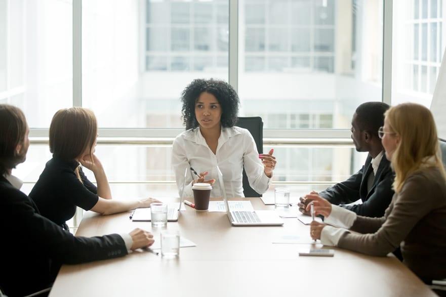 Búsqueda de liderazgo en la empresa