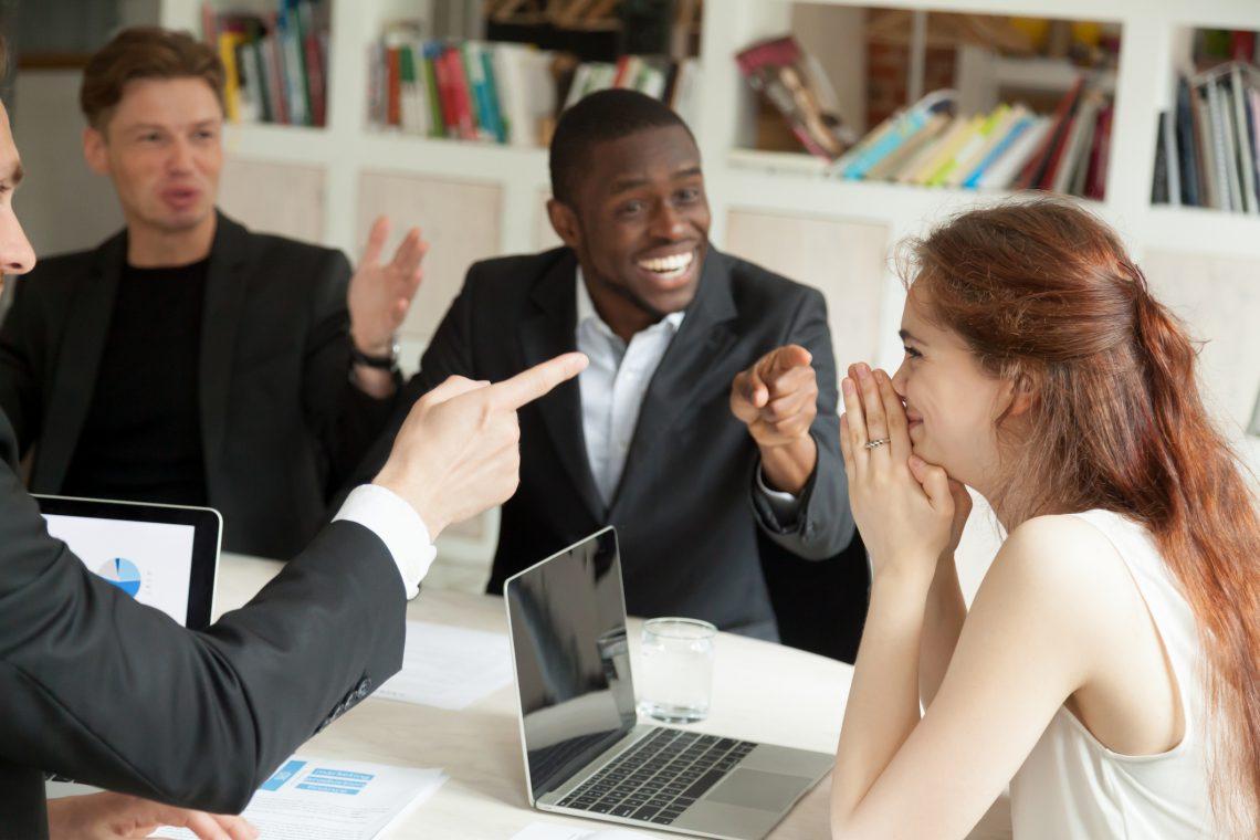 Introvertido y extrovertido: cómo gestionar ambos perfiles en la oficina