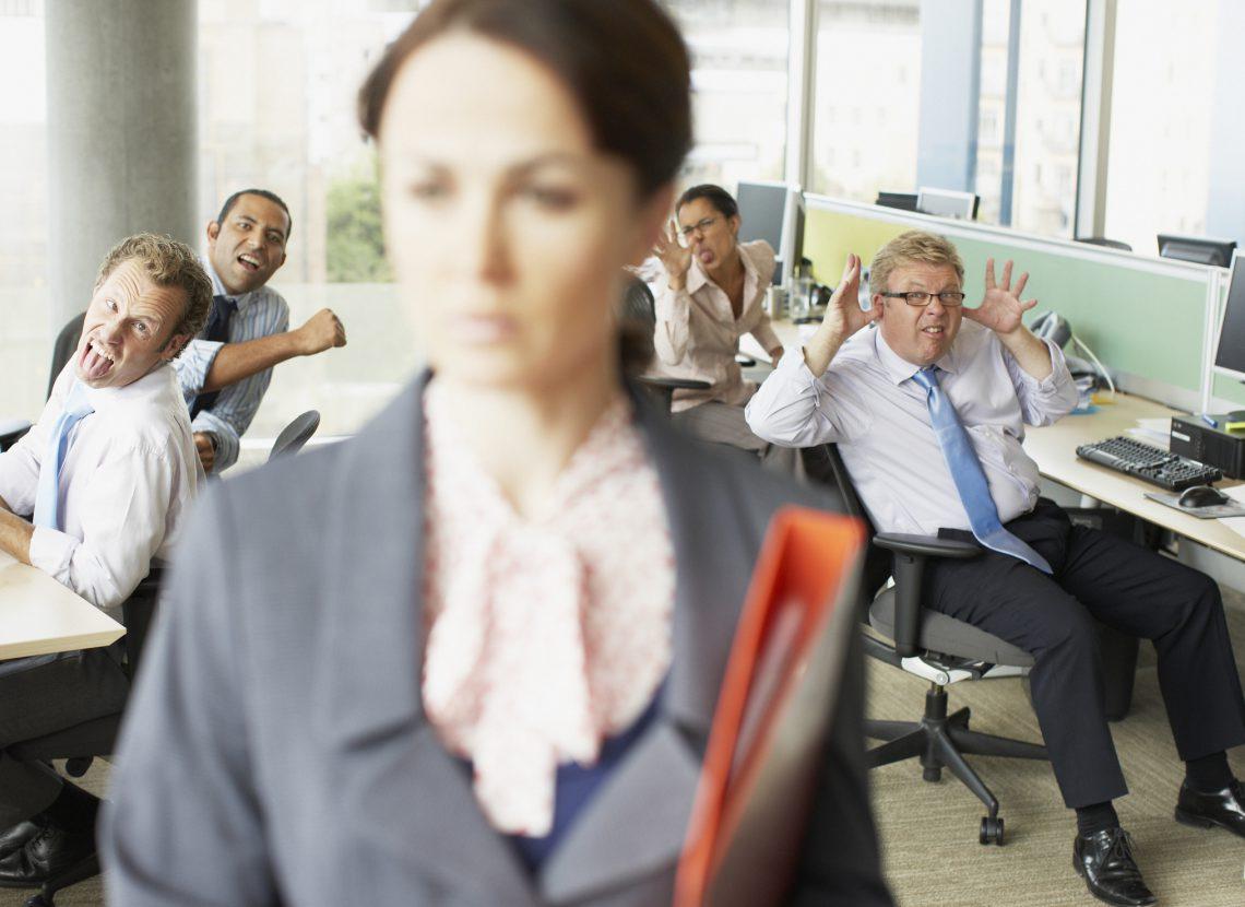 Descubre cómo identificar y tratar comportamientos tóxicos en la empresa