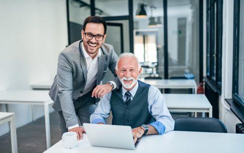 Ventajas de contratar personas mayores de 50 años