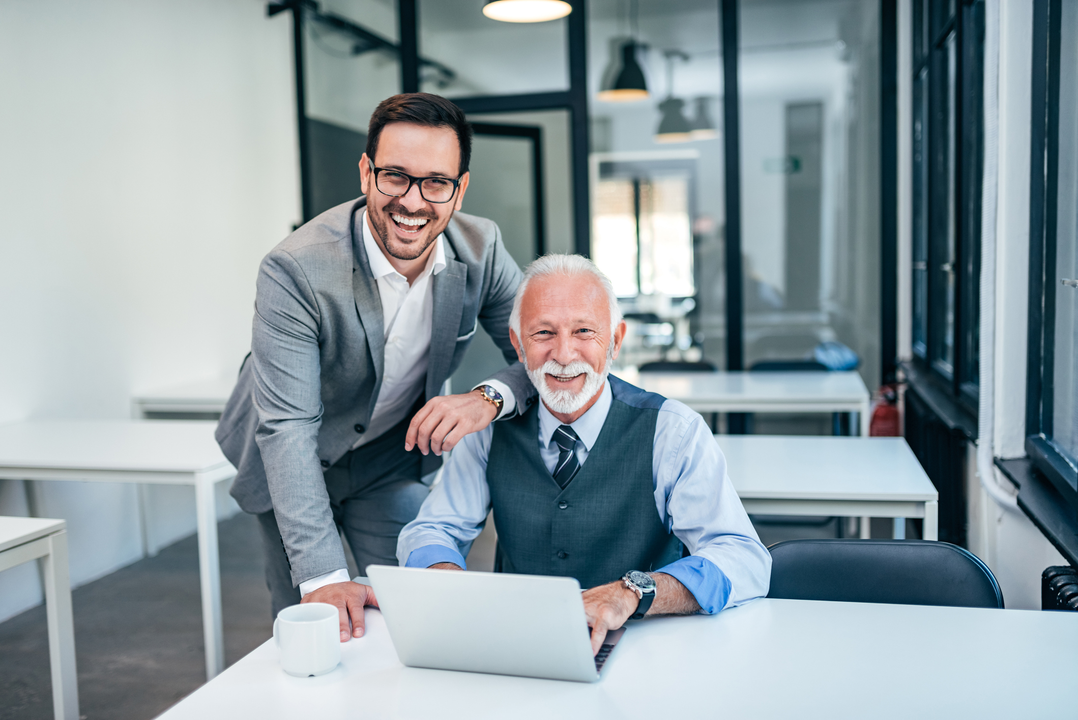 Qué ventajas tiene para la empresa contratar a mayores de 45 años? |  HRTRENDS