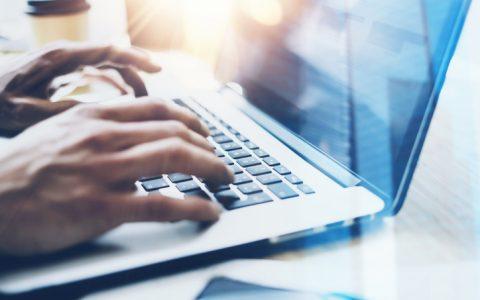 Cómo puede ayudarte incluir una plataforma RPA en tu departamento
