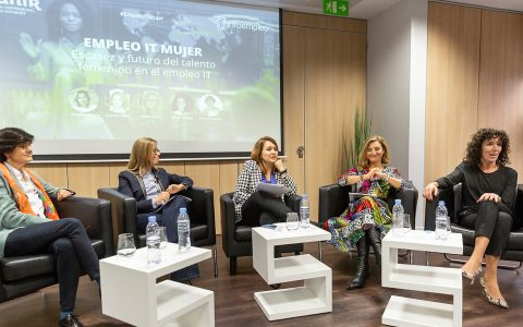Empleo IT y Mujer: 16.000 millones de pérdidas en la UE por la escasez de mujeres en el sector