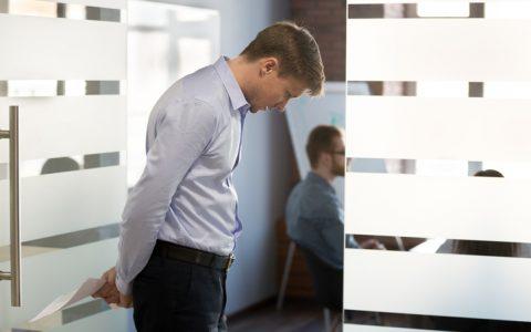 Trabajar con fobia social: cómo ayudar a este perfil de empleados