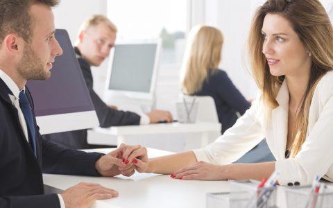 Consecuencias legales de enamorarse de un compañero de trabajo