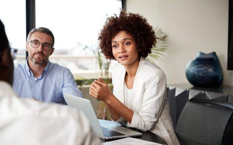 La mujer en el sector laboral masculino: el camino a la igualdad