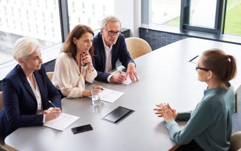 Preguntas comprometidas en una entrevista de trabajo: cuestiones a evitar
